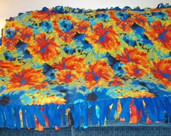 Abstract Tropical Floral Fleece Tied Blanket