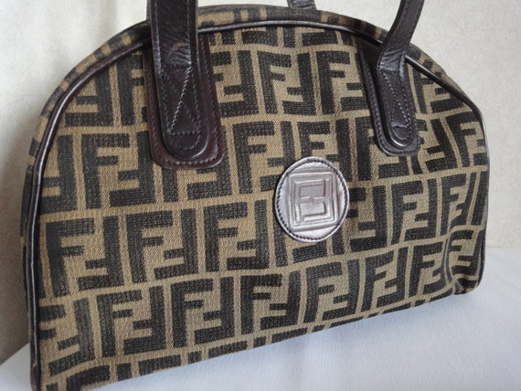 70's vintage Fendi jacquard fabric tote bag with dark brown leather trimmings in bolide style. Unisex