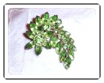 Juliana Green  Brooch -  D&E Refreshing Spring Green   Pin-282a-101410035