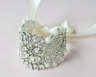 Bridal Jewelry-- Rhinestone Wedding Bracelet--Vintage- Wedding Bracelet - Bridesmaid Gift,Bridal Bracelet,Crystal Bracelet ,Bridal Gift