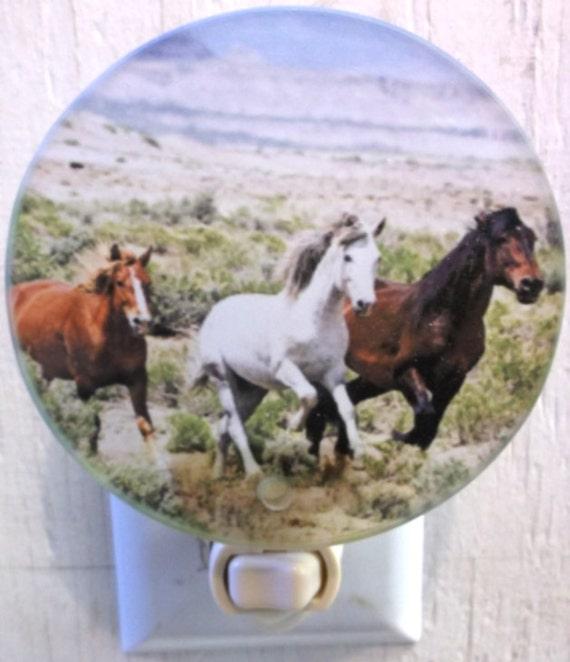 horses running night light, western night light, horses night light, bathroom night light, pretty night light, decorative light,