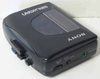 Vintage Sony Walkman Portable WM-FX10 Am/Fm Radio Cassette Tape Player anti-rolling mechanism Not WORKING