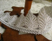 ivory alencon lace trim, ivory lace trim with wings , leaf design