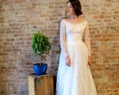 Vintage 1950s Wedding Dress - Lace Wedding Gown - 50s Victorian Style - Sequins - Train - Small Size - XS