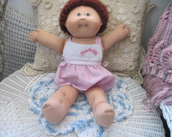 Cabbage Patch Doll, Vintage Cabbage Patch Doll, Xavier Roberts, Looped Brown Haired Cabbage Patch Doll, Dolls ,Vintage Dolls, S