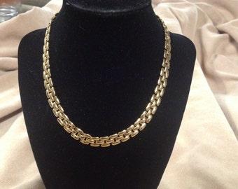 Vintage Goldtone NAPIER Design Necklace, Length 16''
