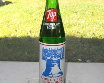 7UP Commemorative Soda Bottle 1976 Liberty Bell Unopened Pop