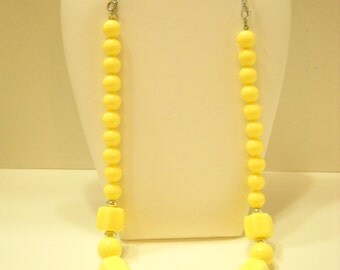 """Vintage 19"""" Yellow Beaded Necklace (4928) 7"""" Blue Rhinestone Extension"""