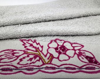 Grey towel/Towel store/Turkish towel/Best price/Handmade/Sultan towel/Sultan/Bathroom/Pink flowers/Pink and gray/Flowery towel/washing glove