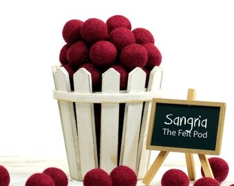 Wool Felt Balls // Garland DIY // DIY Mobile // diy Necklace // Pom Poms // Wool Beads // SANGRIA // 1 cm 1.5 cm 2 cm 2.5 cm 3 cm 4 cm