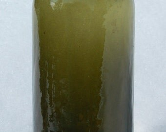 BITTER QUELLE deep Olive Green color antique MINERAL water bottle - super old / super crude !