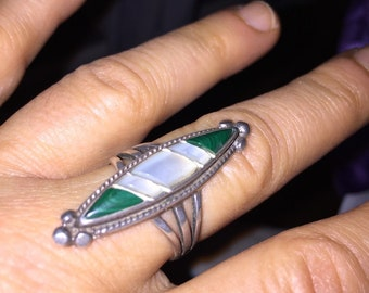 Antique Malachite Ring Fabulous Unisex Handmade Native American Malachite Ring with Mother of Pearl Inlay Aprox size 9 Hippie Ring