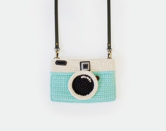 Crochet Vintage Camera Purse/ Mint Color