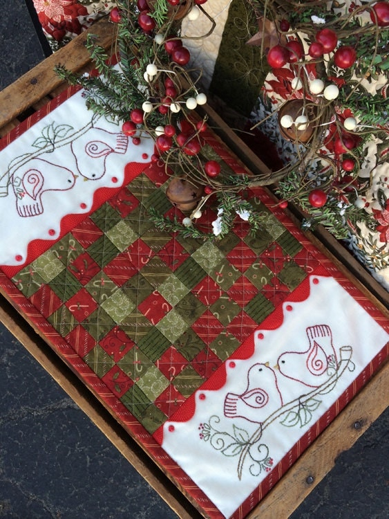 Free Patterns For Quilted Candle Mats : Quilted Friends Candle Mat