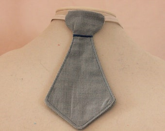 Tie for the handsome little boy in your life. So adorable for your little boy or great for a gift.