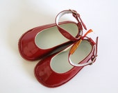 Vintage Baby Girl Leather Shoes Red Varnished Mary Janes 12 to 18 months