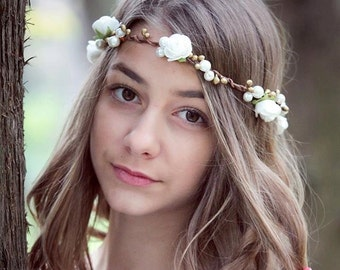 Rustic Wedding flower crown, White Roses Flower head wreath, bridal flower tiara, white flowers hair accessory, woodland wedding, headpiece