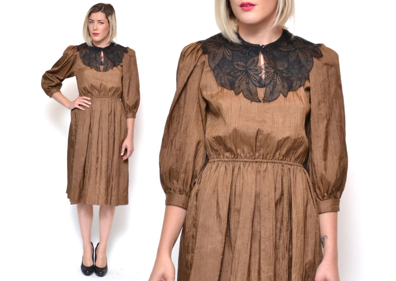 vintage braunes kleid mit spitze kragen falten gewebe. Black Bedroom Furniture Sets. Home Design Ideas