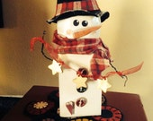 Primitive SnowPost the Snowman Shelf Decoration with Star Garland