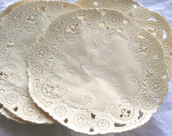 50 Ivory French Lace Paper Doilies