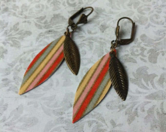 Boho paper Earrings - boho chic leaf shape -paper jewelry - golden metal - gift for her - metal feather - dangle and drop - feather earrings