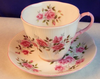 Royal Albert -  Delicate Roses  - Cup & Saucer