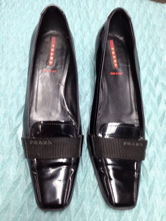 Vintage black Prada shoes. by dejavufashions on Etsy