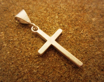 YOLLA Simple Sterling Silver Cross Pendant - solid sterling silver