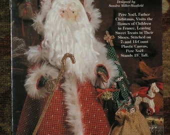 Old-World Santas-PERE-NOEL-France-Plastic Canvas-Pattern Book for Christmas Doll-Decoration