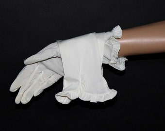 Vintage 1950s White Nylon Gloves Pinup Bombshell Wedding Gloves Ruffles Art Deco Mad Men Mad Man Garden Party Prom Party Hollywood