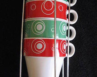 Avon Expressions Set of 4 Red and Green Mugs w Wire Holder CL15-6