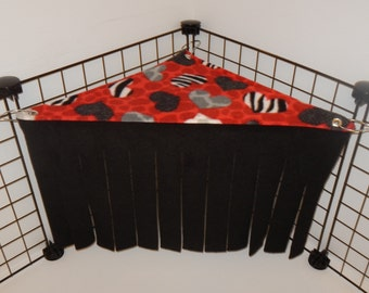 Peek-a-Boo Corner.. Red Animal print Hearts with black