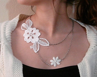 Ivory Lace Necklace, wedding lace necklace, flower lace statement necklace