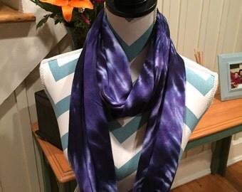 Tye dye cotton infinity scarf, Hand dyed navy and lavender cotton infinity scarf, Tie dyed infinity, circle scarf