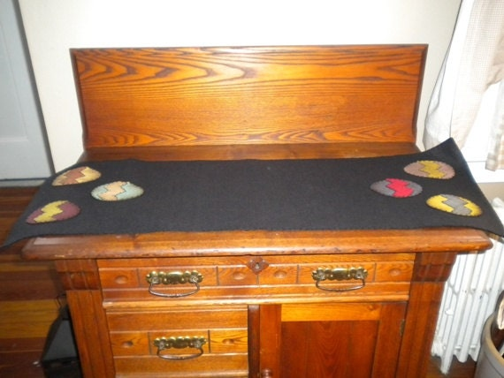 items similar to 12 inch by 36 inch table runner with easter egg accent on etsy. Black Bedroom Furniture Sets. Home Design Ideas