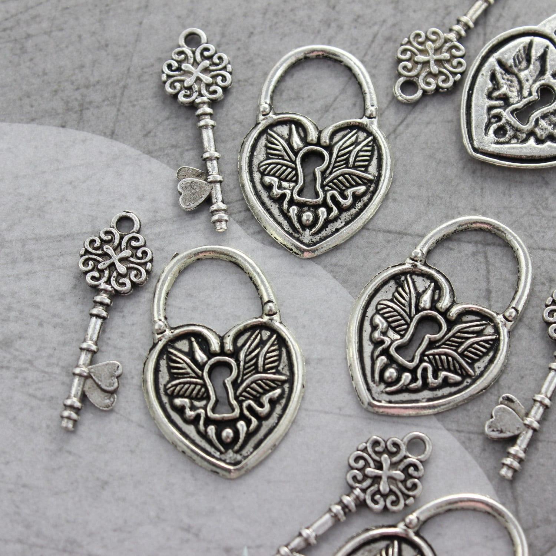 vintage style key set - photo #8