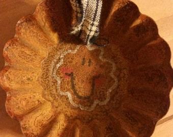 Hand Painted Gingerbread Ornament .Rusty Metal. Mini Tart Pan. Country Prim