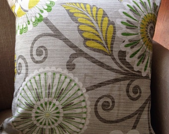 """HGTV Urban Blossoms Platinum Fabric cushion cover/pillow with """"est"""" French Linen Backing"""