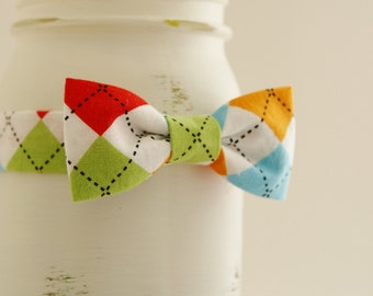 Argyle bow tie with velcro strap, baby boy photo prop, Birthday party for baby boy - made to order