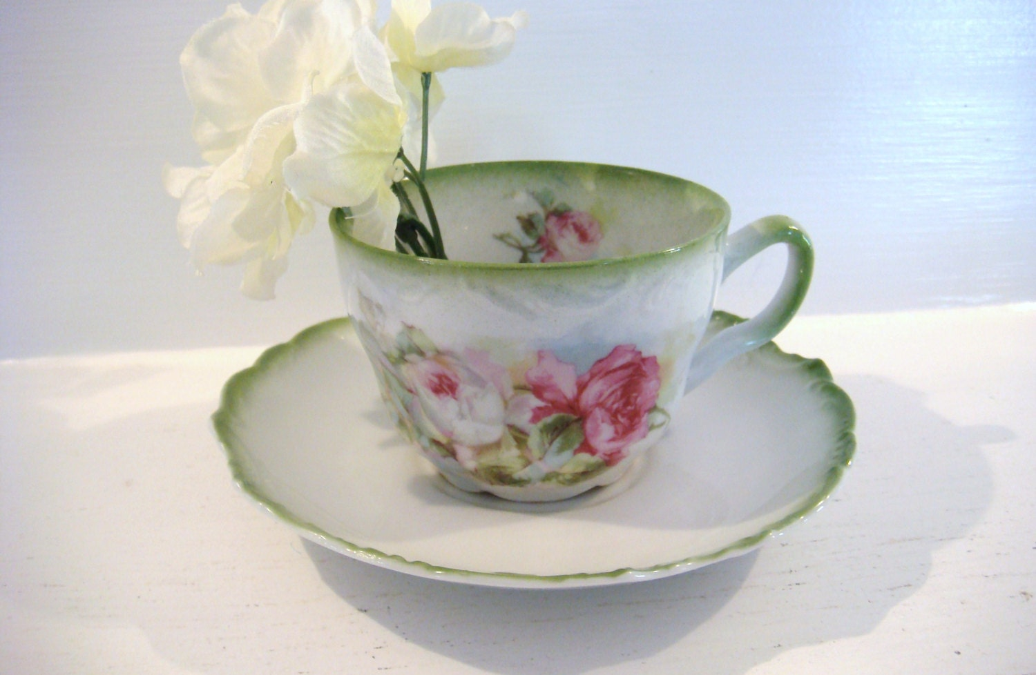Vintage teacup and saucer cabbage rose tea cup footed for Decoration list mhw