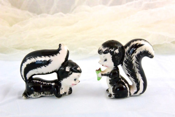 Vintage Ceramic Anthropomorphic Skunk Salt And Pepper Shakers