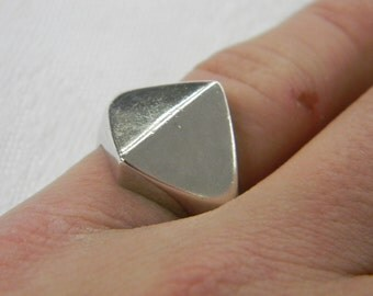 Sterling Silver 925Alluring Unique Pointed Band Ring Size 8, 6.0 Grams #5856