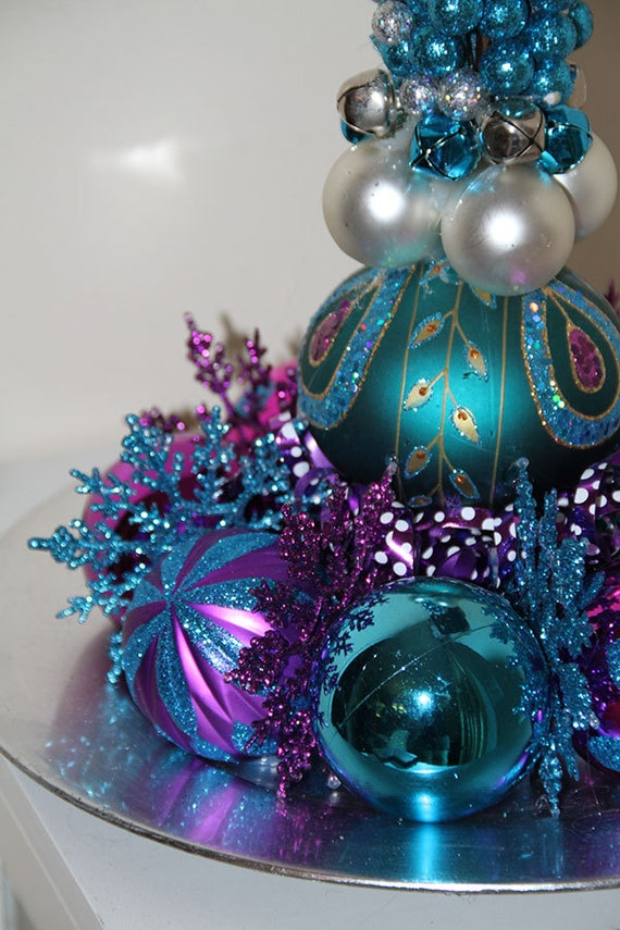 Unique christmas centerpiece purple by preservemymemories for Special xmas decorations