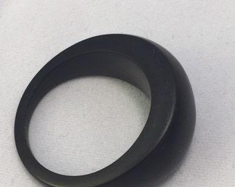 Black resin ring size 6 for xastride-Melbourne