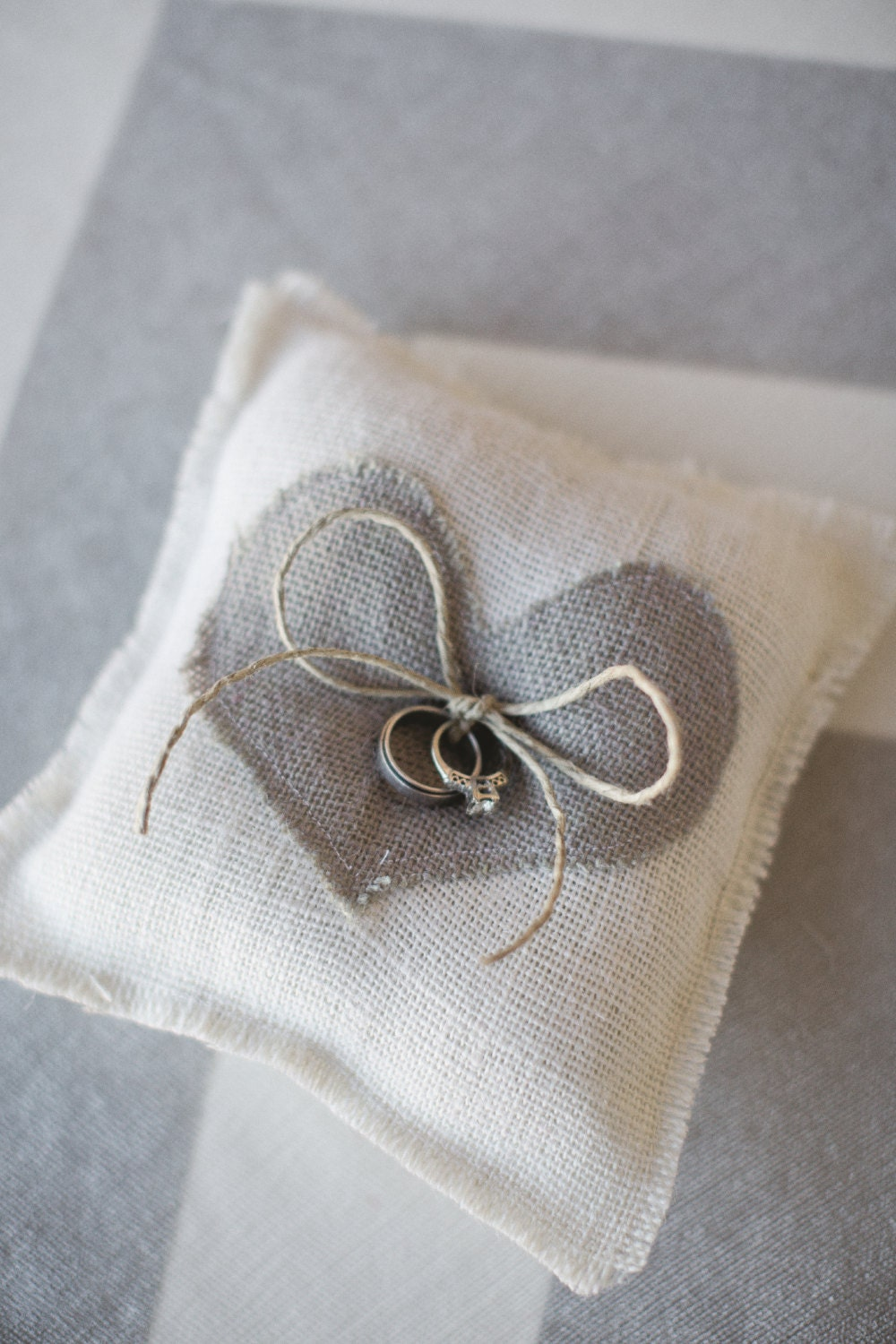 burlap ring pillow heart customize ring bearer burlap. Black Bedroom Furniture Sets. Home Design Ideas