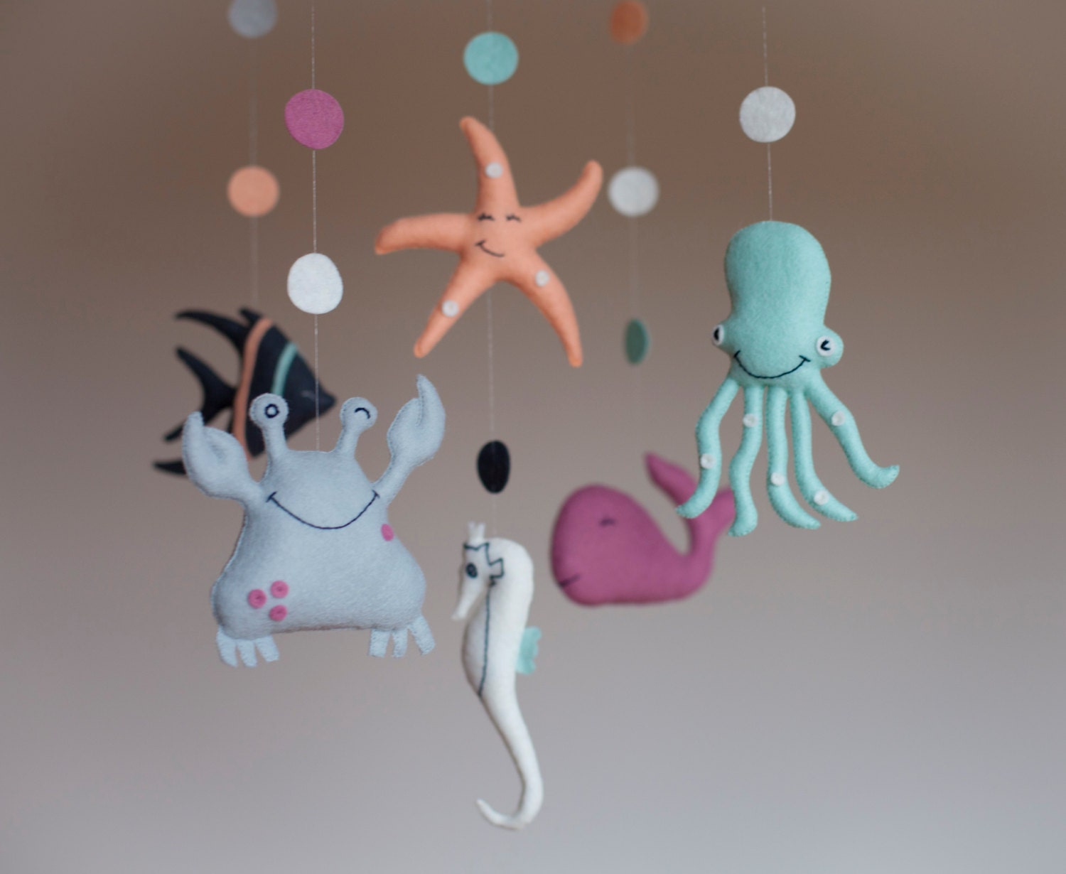 Nursery mobile baby mobile babys mobile sea creatures for Baby shapes mobile