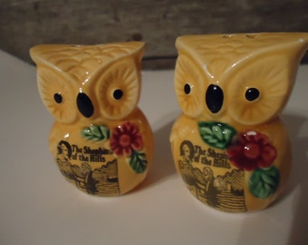 vintage owl salt and pepper shakers souvenir The Shepherd of the Hills Ozark Mountain Country