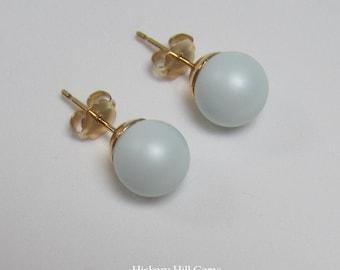 Blue pearl studs Swarovski Elements PASTEL BLUE, 8mm pearl Light blue stud earrings, pastel studs, ball earrings, powder blue, baby blue