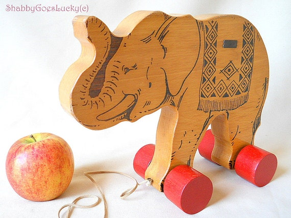 Hetre Bois Traduction : Vintage Steiff Elephant On Wheels
