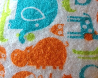A  elephants in orange and turquoise fitted crib /toddler sheet